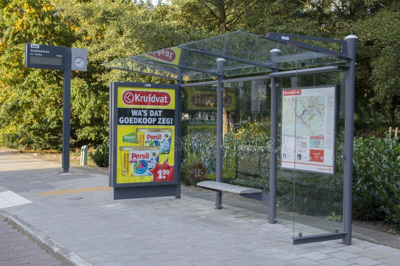 Bus Stop Stadstuinen Em Amstelveen Países Baixos 2019 imagem de stock royalty free