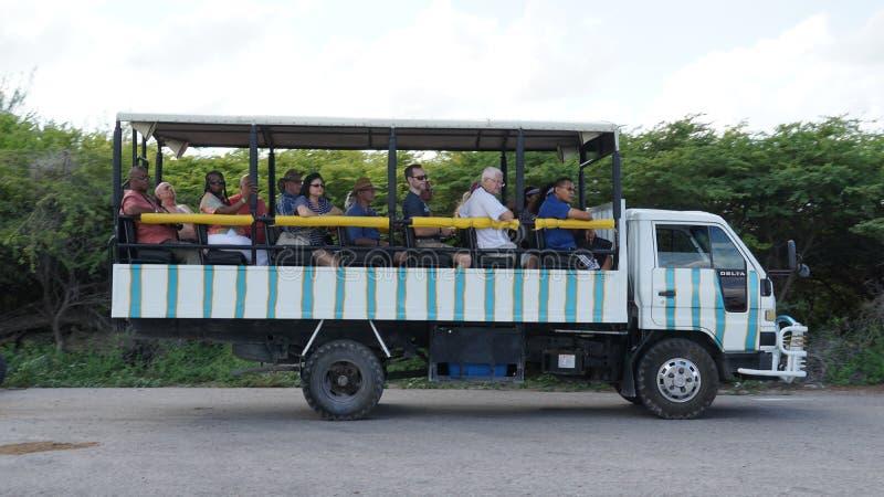 Download Bus Turístico, Turk Island Magnífico Imagen de archivo - Imagen de camino, nube: 64201145