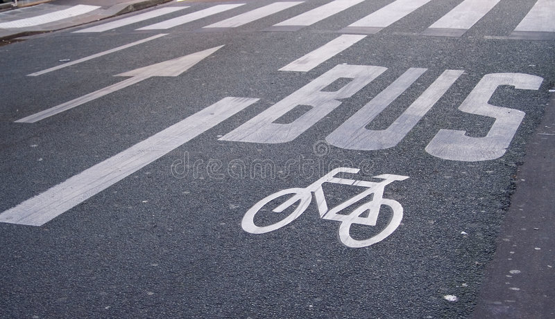 Bus- und FahrradVerkehrsschilder lizenzfreies stockbild