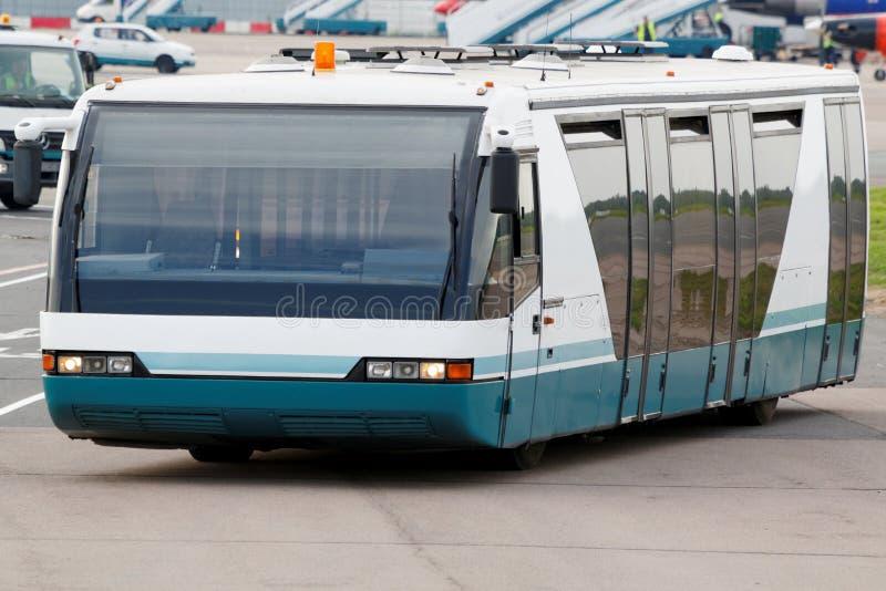 Bus voor vervoer van passagiers stock foto