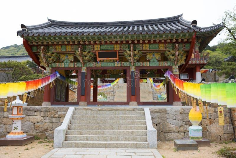 Busan, de Tempel van Zuid-Korea Beomeosa poort stock afbeelding