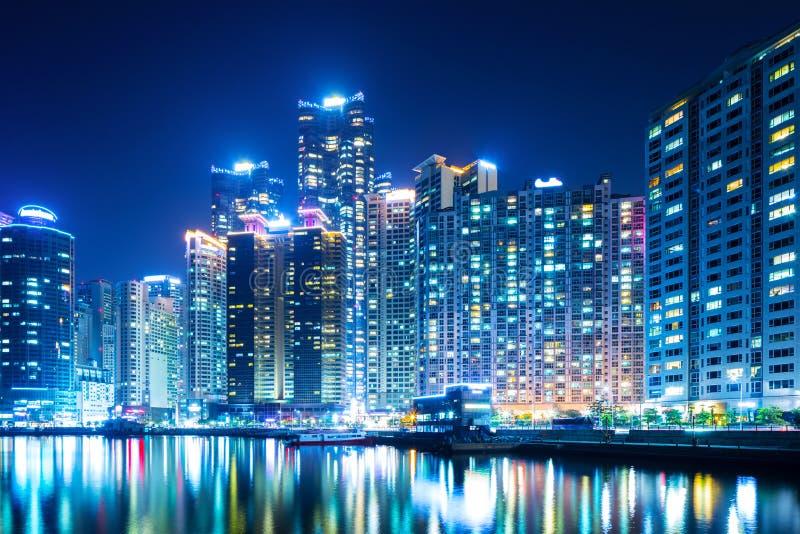 Busan miasto przy nocą obrazy stock
