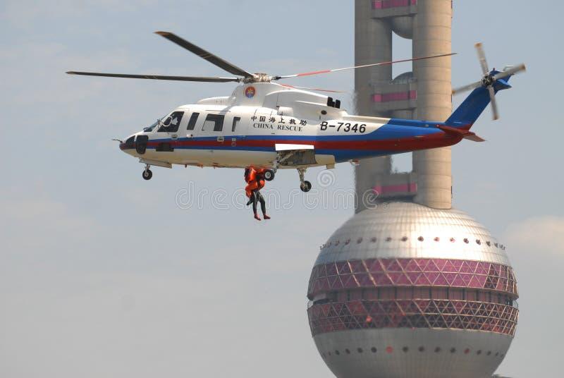 Busca do helicóptero e exercício do salvamento fotografia de stock royalty free