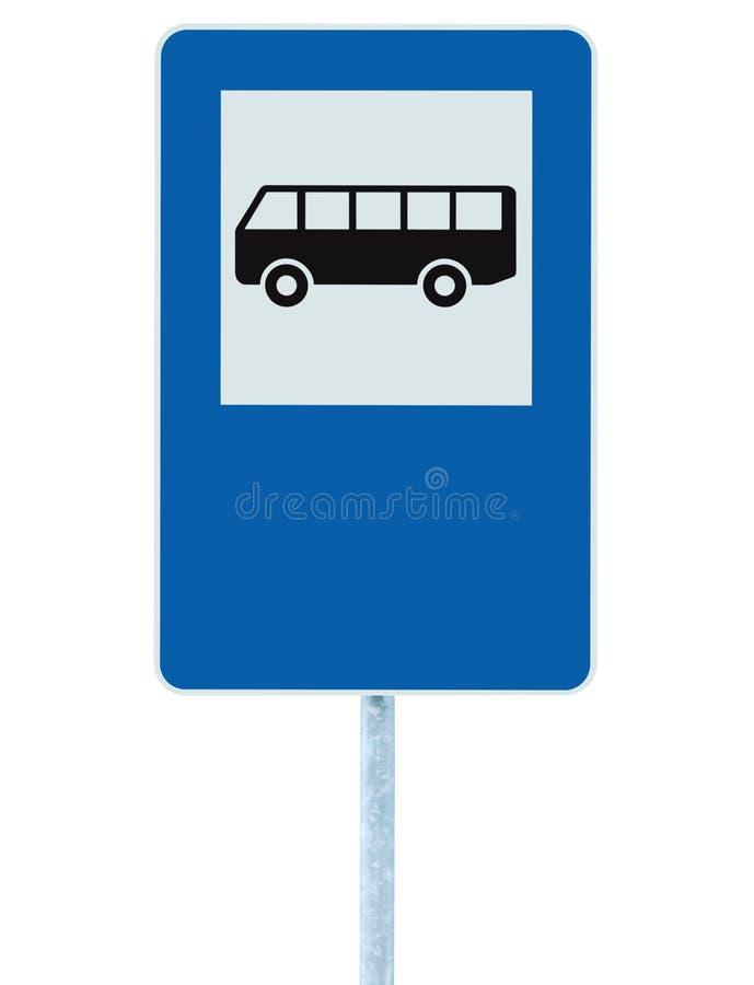 Bushalteverkeersteken op poolpost, verkeerssignage, blauw geïsoleerde lege lege exemplaar ruimte, grote gedetailleerde close-up royalty-vrije stock foto