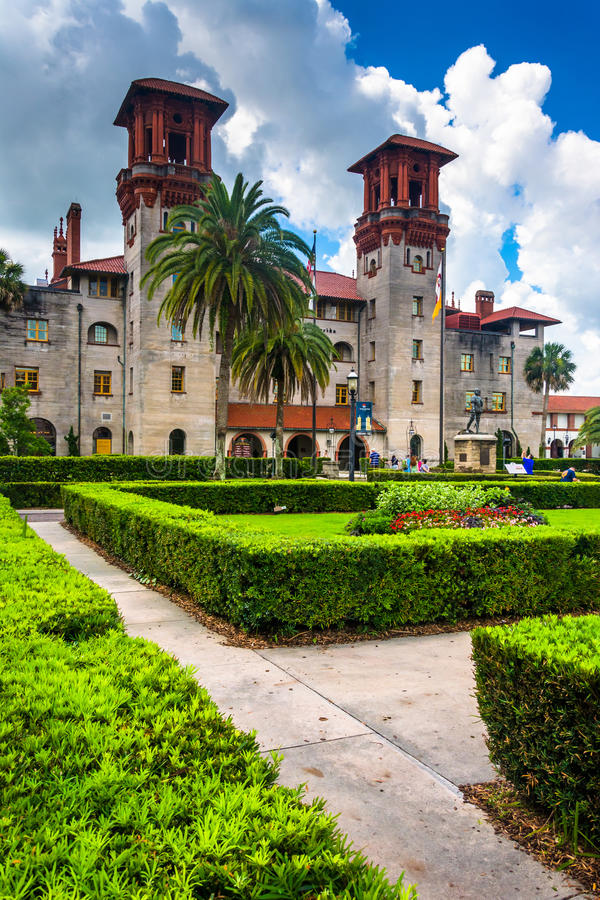 Bushes and Ponce de Leon Hall at Flagler College, in St. Augustine, Florida. royalty free stock photos