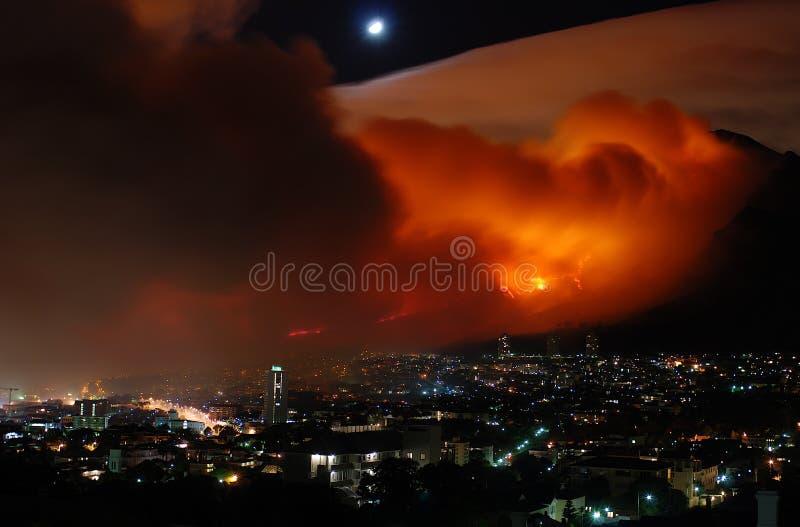 Bushfire Ciudad del Cabo el marzo de 2009 foto de archivo libre de regalías