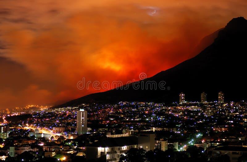 Bushfire Ciudad del Cabo el marzo de 2009 imagen de archivo libre de regalías