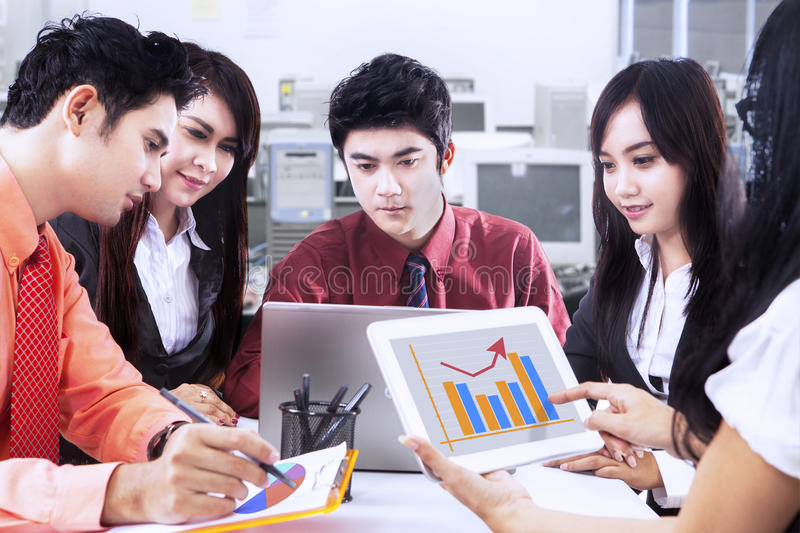 Download Business Discussion Royalty Free Stock Images - Image: 32209349