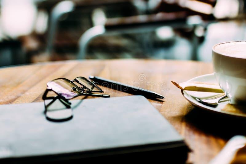 Business-Lunch in einem Café stockfoto