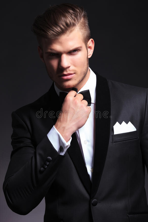 Free Business Man Adjusting His Bow Tie Stock Photography - 93315702