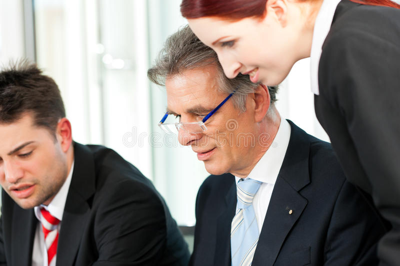 Download Business People - Team Meeting In An Office Stock Image - Image: 33420961