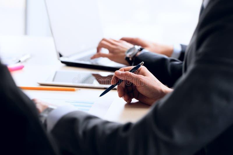 business people working στοκ εικόνες με δικαίωμα ελεύθερης χρήσης