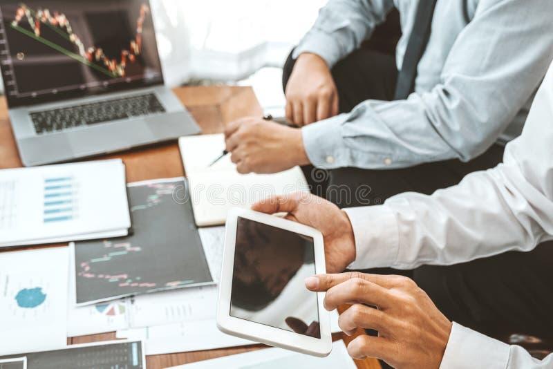 Business Team Investimento Empreendedor Negociação e análise do mercado de ações em gráfico,conceito de gráfico de ações fotos de stock royalty free
