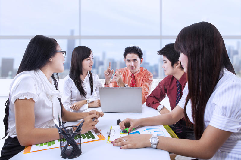 Download Business team meeting stock image. Image of explain, city - 29508921