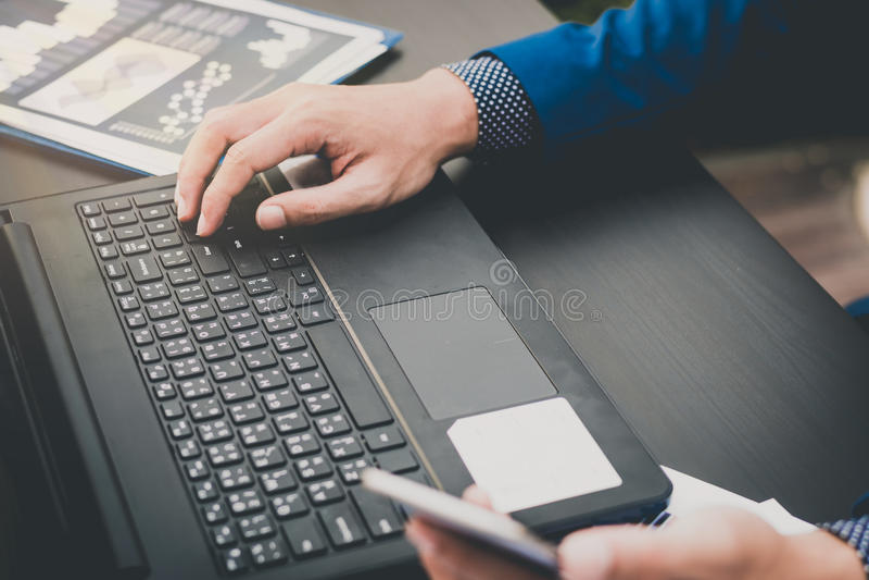 Forex ноутбук почему проигрывают трейдеры на форексе