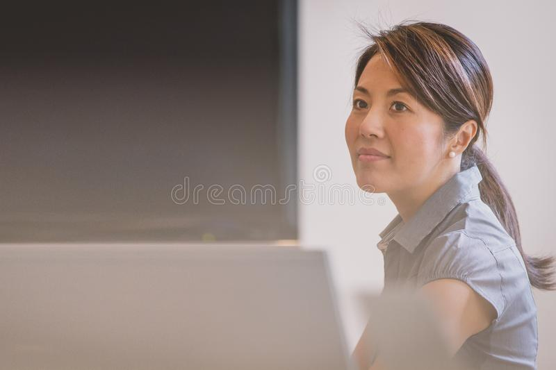 Business Woman In Office Free Public Domain Cc0 Image