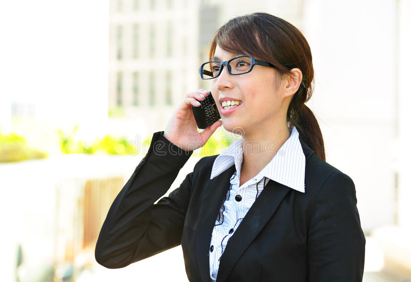 Download Business Woman Text On Phone Stock Photo - Image: 20291164