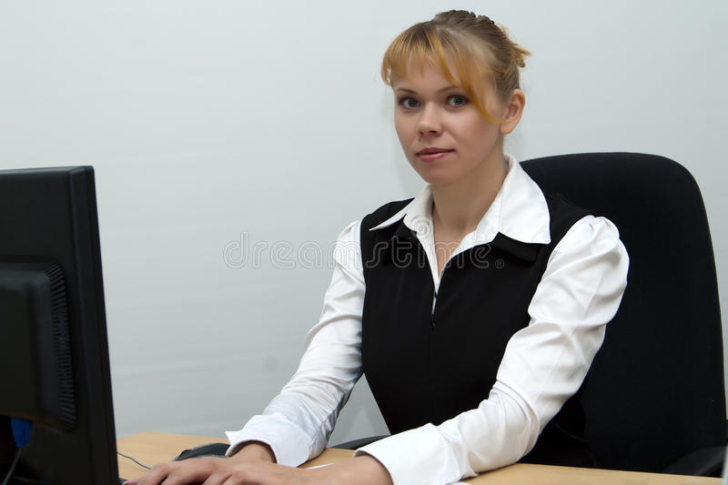 Download Business Woman Works On Computer In Office Stock Photo - Image: 15334094
