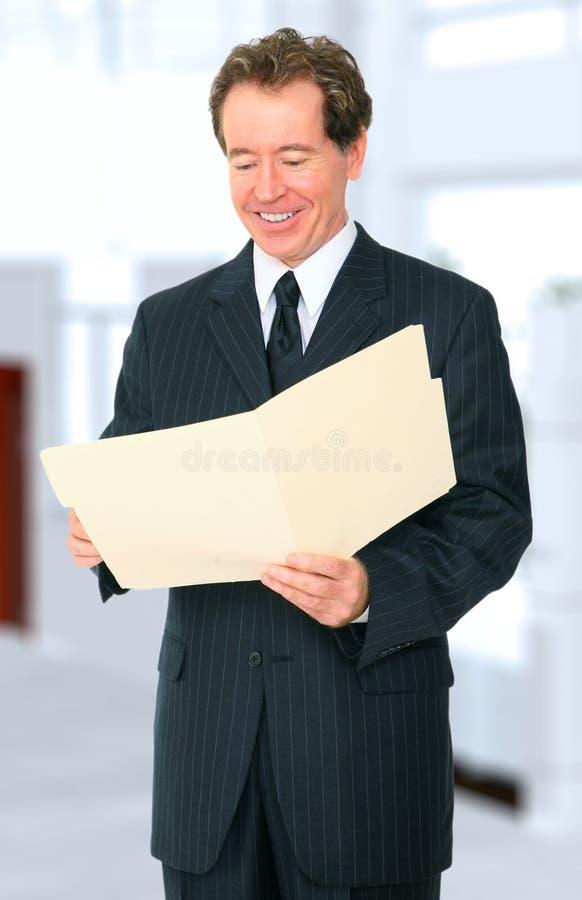businessman folder looking senior up στοκ φωτογραφίες με δικαίωμα ελεύθερης χρήσης