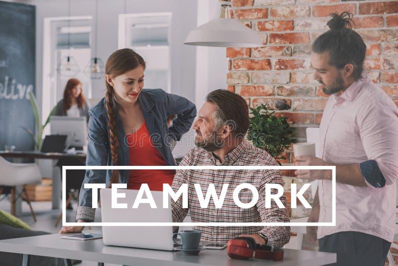 Businesspeople die samenwerkt stock afbeelding