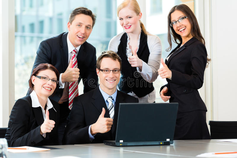 Download Businesspeople Have Team Meeting In Office Royalty Free Stock Images - Image: 26487049