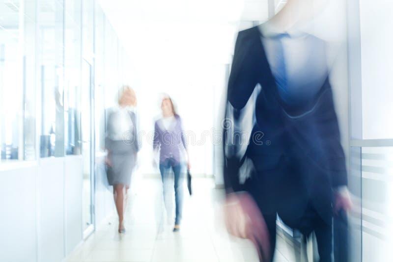 Gå för Businesspeople arkivbild