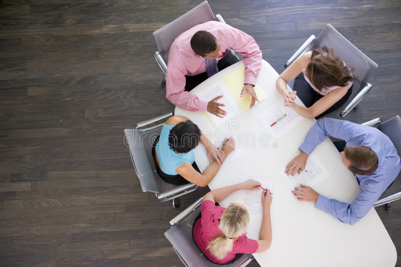 Businesspeople vijf in vergadering royalty-vrije stock foto's
