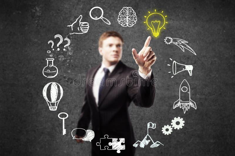 Businessperson die op bedrijfspictogrammen richten stock illustratie