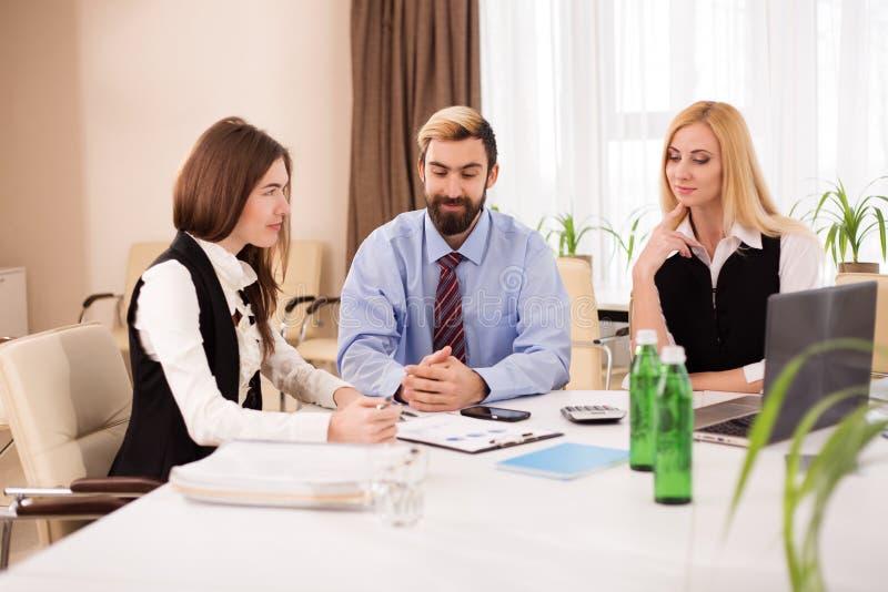 Businessteam会议讨论好主意 免版税库存图片