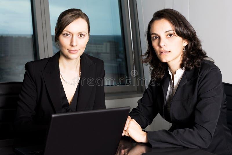 Businessteam no escritório fotografia de stock