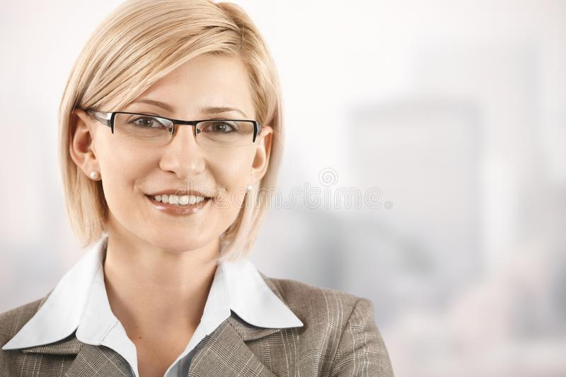 businesswoman closeup portrait smiling στοκ εικόνα