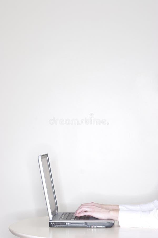 businesswoman laptop using στοκ φωτογραφία
