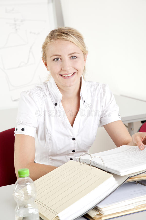 Free Businesswoman With File Folder Stock Photography - 26404652
