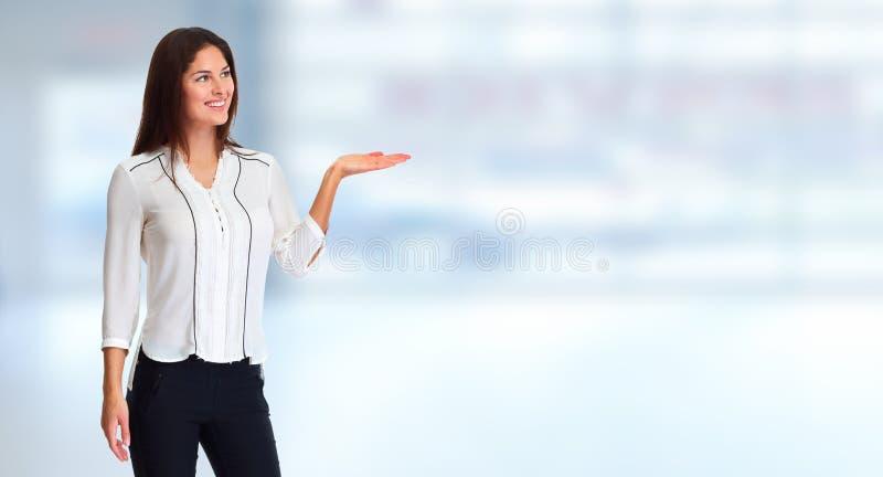 Businsswoman som framlägger företaget arkivbild