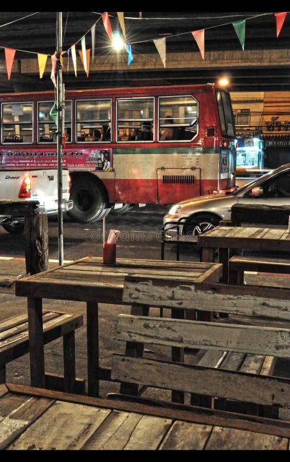 Buss i Bangkok, Thailand fotografering för bildbyråer