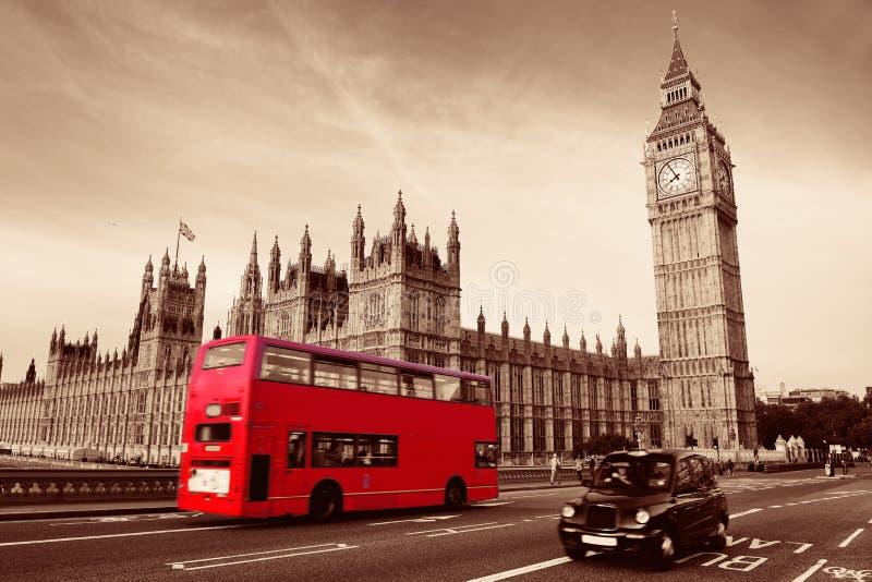 Buss i London fotografering för bildbyråer