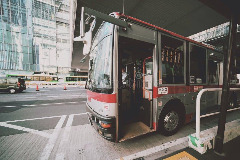 Buss i Tokyo fotografering för bildbyråer