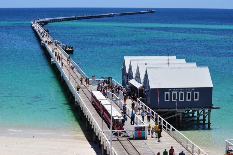 Busselton Jetty mola zachodnia australia z pociągiem obrazy stock