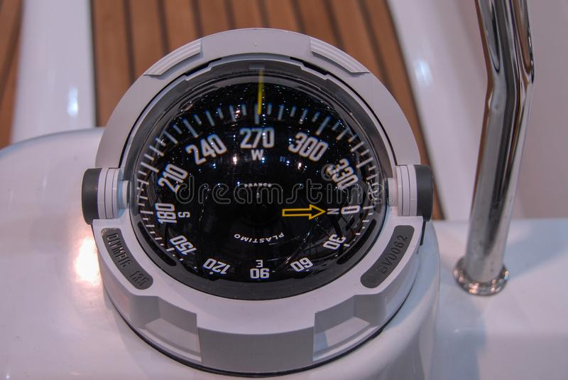 Bussola moderna della nave fotografie stock