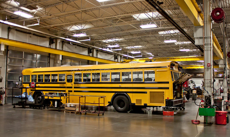 bussskolan shoppar royaltyfria bilder