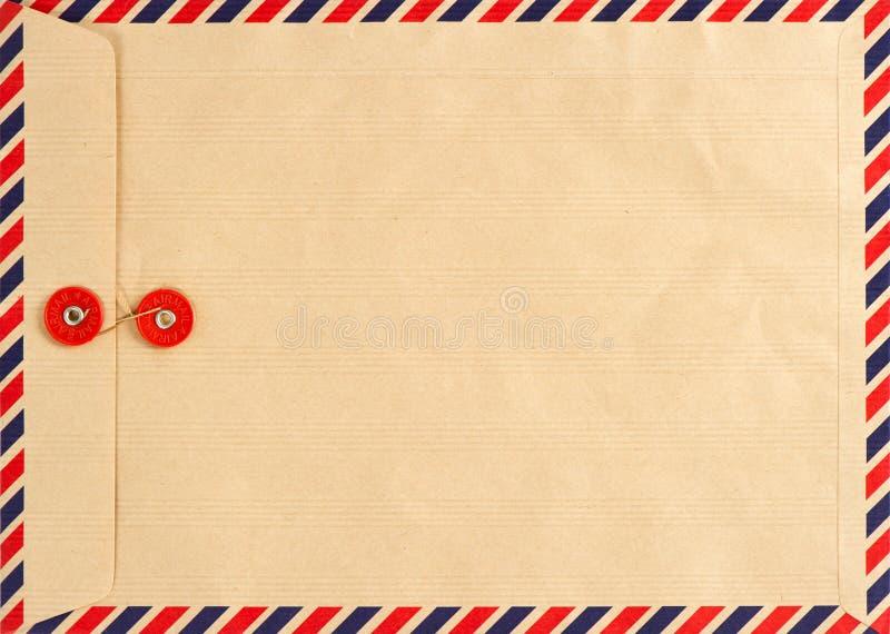 Busta di posta aerea dell'annata. priorità bassa di carta fotografia stock libera da diritti