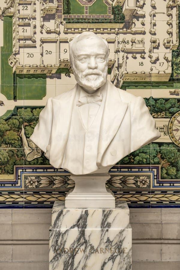 Buste d'Andrew Carnegie au palais de paix image libre de droits
