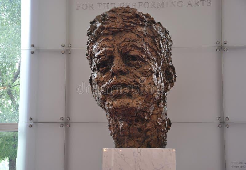 Buste de John F. Kennedy par Robert Berks dans Kennedy Center Memorial de Washington District de Colombie Etats-Unis photographie stock libre de droits