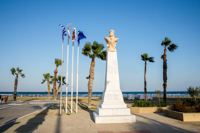 Buste du Général athénien Kimon à la plage de Finikoudes à Larnaca photographie stock libre de droits