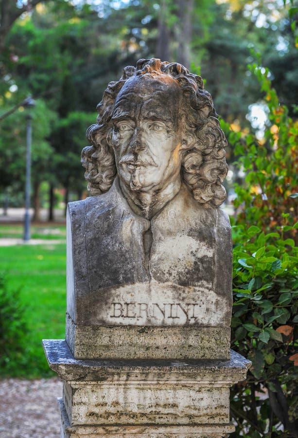 Busto de Bernini no parque fotografia de stock royalty free