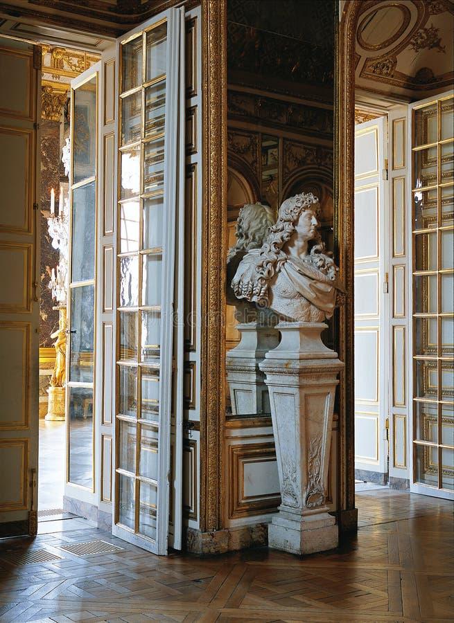 Busto de mármore do palácio França de Louis XIV Versalhes imagem de stock