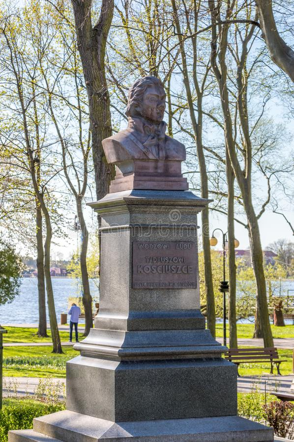 Busto de Tadeusz Kosciuszko fundado por los empleados de PKP en parque en Ostroda fotografía de archivo