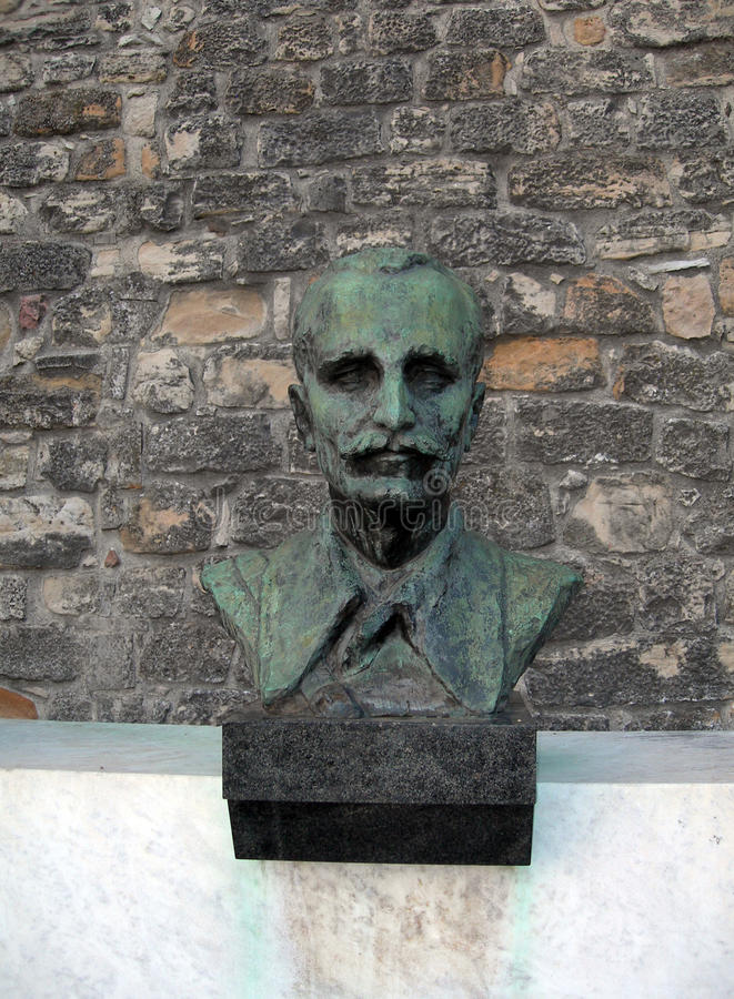 Busto do líder do herói na fortaleza Belgrado Serbi do parque de Kalemegdan imagem de stock