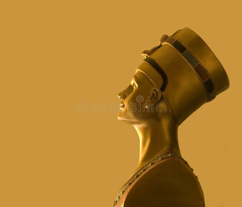 Busto egipcio del estilo que representa a Nefertiti imagen de archivo