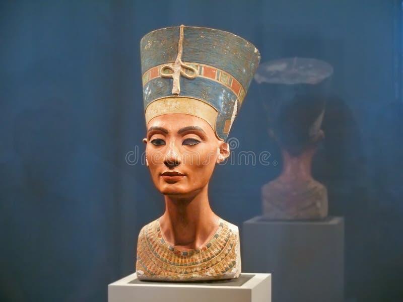 Busto famoso de la reina Nefertiti imágenes de archivo libres de regalías
